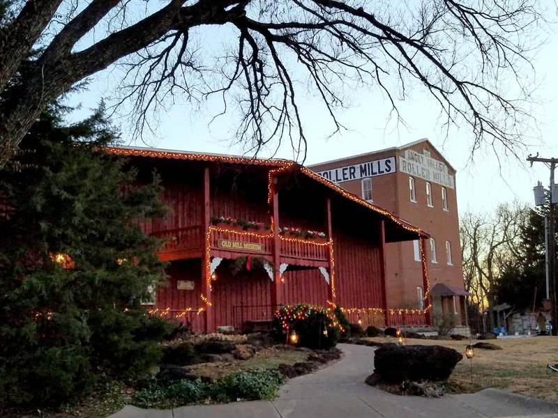 Lindsborg kansas convention visitor bureau christmas in lindsborg