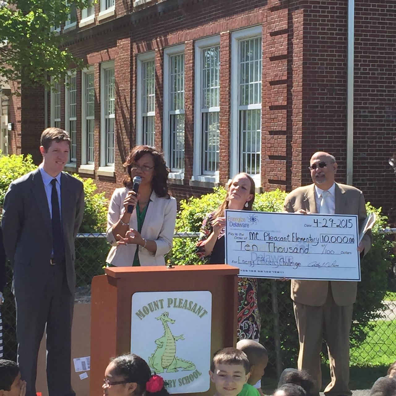 Mount Pleasant Elementary receives grant